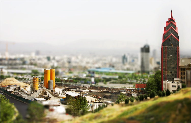 miniature tehran || canon300d/efs18-55@42 | 1/125s | f11 | iso100 | handheld