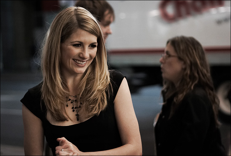 jodie whittaker || canon350d/ef50f1.8 | 1/80s | f2 | M | iso800 | handheld