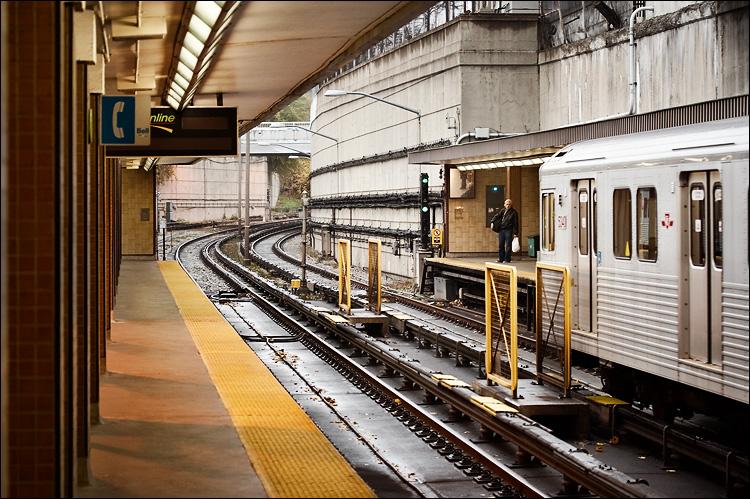 davisville station || canon350d/efs60 | 1/60s | f2.8 | P | iso400 | handheld