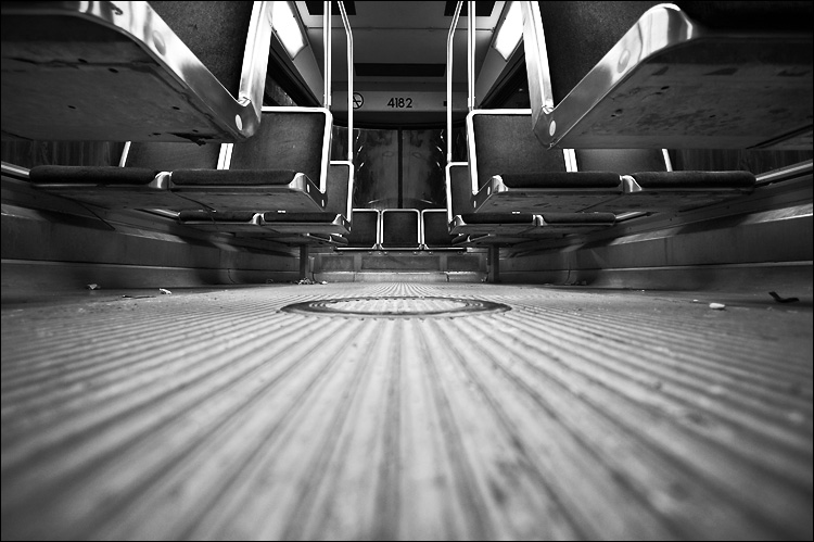 streetcar 4182 || canon350d/efs10-22 | 1/13s | f3.5 | iso400 | on floor