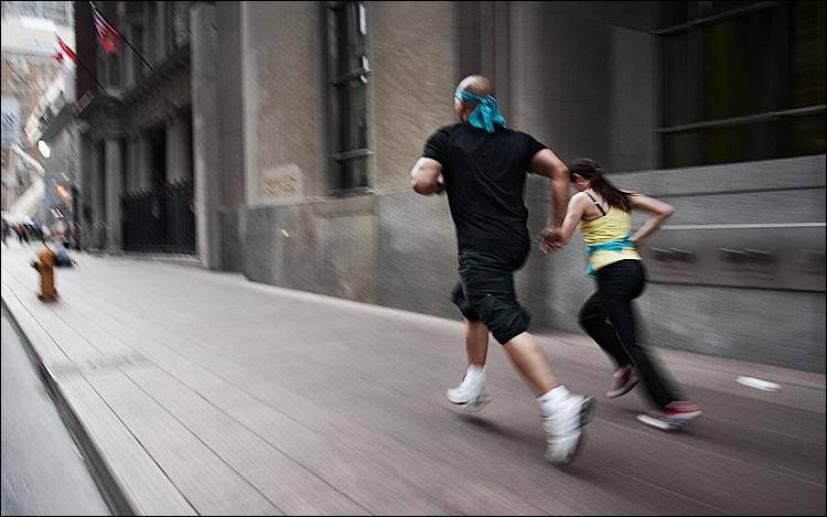 runners || canon350d/ef17-40L | 1/30s | f4 | ISO400 | bike