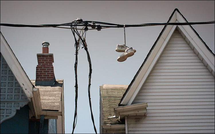 shoes on string || canon350d/efs60 | 1/500s | f7.1 | ISO200 | handheld