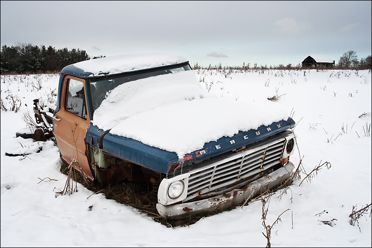 mercury under snow    Canon350D/EF@10-22@22   1/160s   f9   ISO100   Handheld