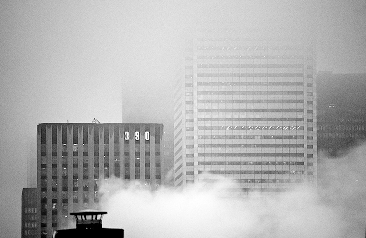 fog 390 || Canon5D/EF70-200f4L@200 | 1/60s | f4 | ISO320 | Handheld