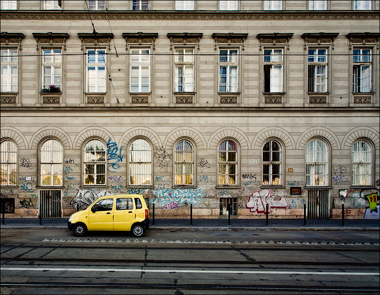yellow car and graffiti || Canon5D/EF17-40L@17 | 1/60s | f5.6 | ISO200 | handheld