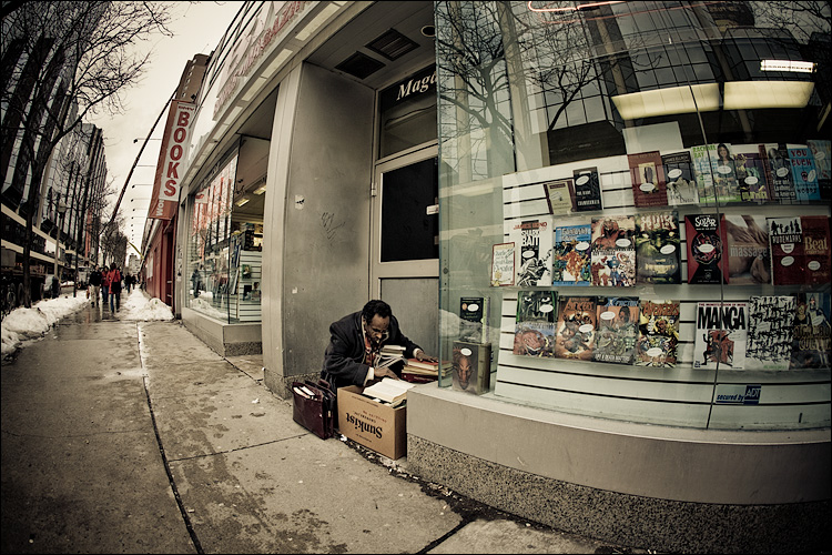 books and reader || Canon5D/EF15Fisheye | 1/125s | f5.6 | ISO200 | Handheld