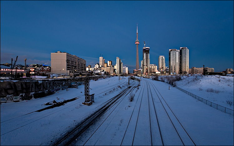 Photo of CN Tower looking eastward from Bathurst Bridge
