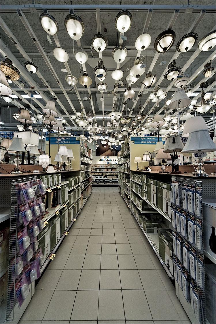 lights || Canon5D/Sigma12-24@12 | 1/100s | f8 | ISO400 | Handheld