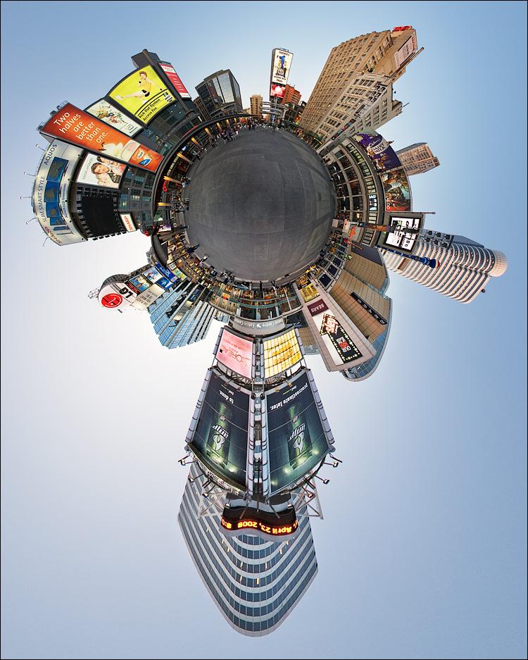 planet dundas square || Canon5D/EF15f.28Fisheye | 1/30s | f5.6 | ISO100 | Tripod | NN3