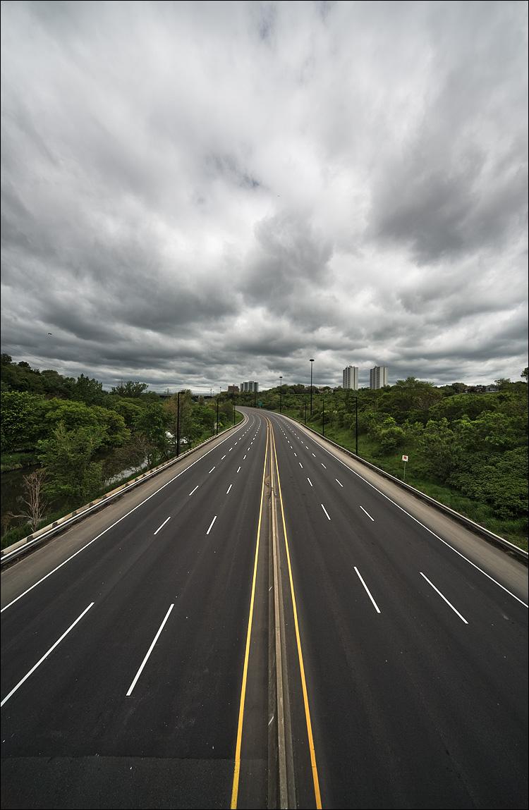 empty highway || Canon5D/Sigma12-24@12 | 1/160s | f10 | ISO100 | Handheld