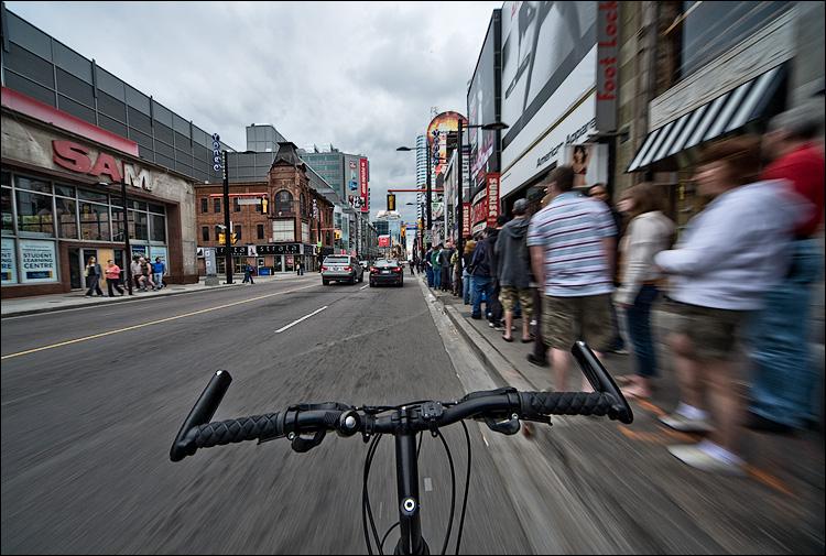 biking by sam || Canon5D/Sigma12-24@12 | 1/50s | f13 | ISO100 | Handheld