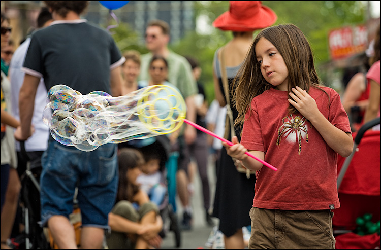bubbles || Canon5D/EF70-200f4@145 | 1/160s | f4.5 | ISO200 | Handheld