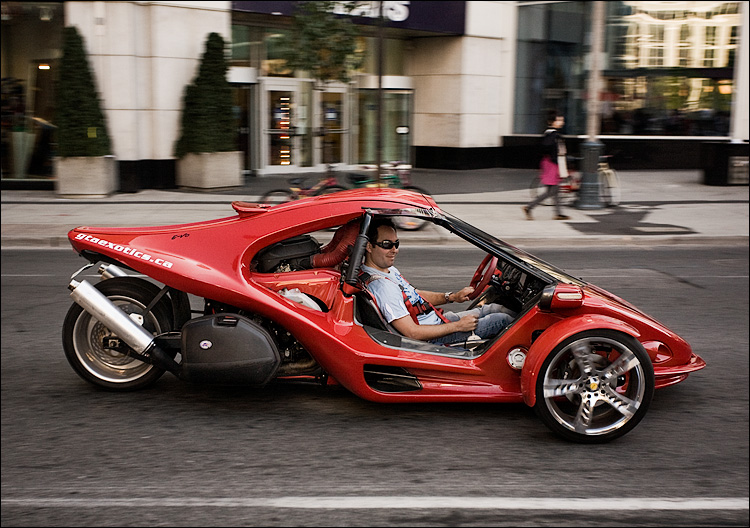 red three wheeler || Canon5D/EF17-40L | 1/60s | f5.6 | ISO200 | Handheld