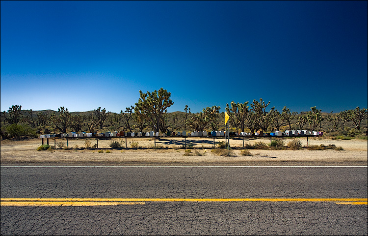 yellow line and mail boxes || Canon5D/EF17-40L | 1/100s | f7.1 | ISO100 | Handheld