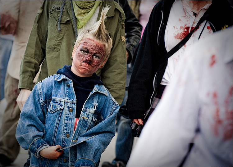 kid undead || Canon5D/EF70-200Lf4 | 1/250s | f5.6 | ISO640 | Handheld