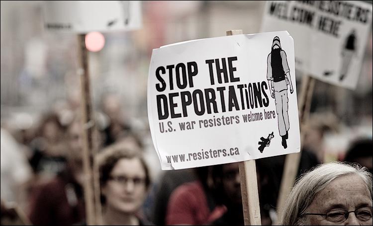 deportations || SonyA700/Zeiss135 | 1/500s | f3.2 | ISO200 | Handheld