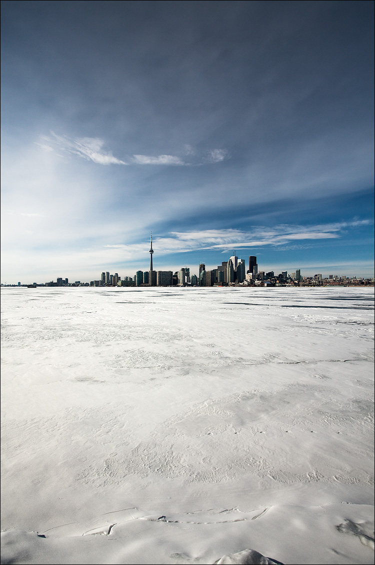 ice and the city || Canon 5D2/EF17-40L | 1/640s | f8 | ISO200