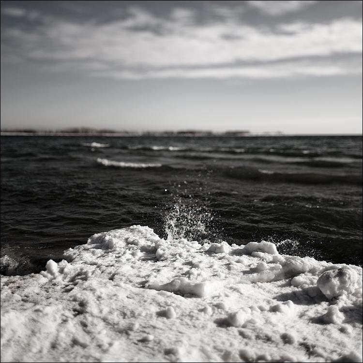 frozen wave || Canon5D2/TS-E24L | 1/1000s | f3.5 | ISO50 | handheld