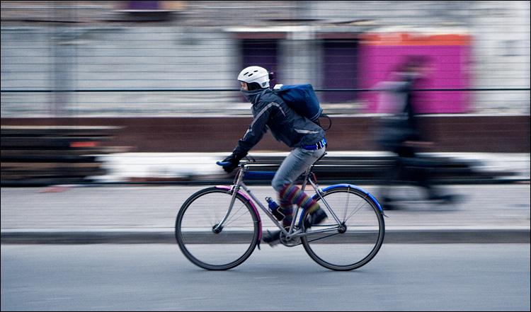 biker in cold    Panasonic LX3   1/25s   f2.8   ISO80