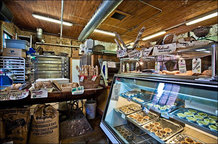 brick street bakery || Canon5D2/EF17-40L@17 | 1/13s | f8 | ISO400
