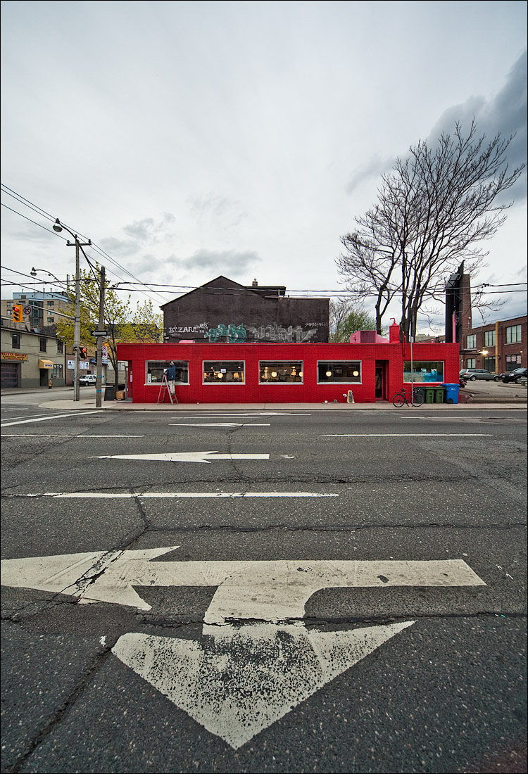 red diner and white arrow || Canon5D2/Sigma12-24@12 | 1/60s | f8 | ISO400