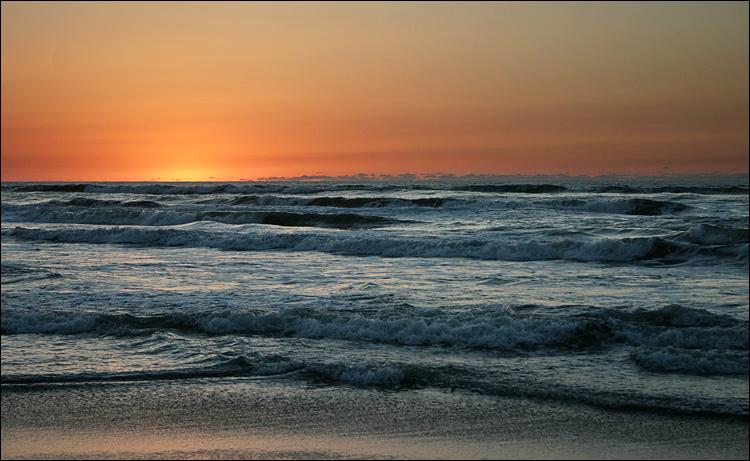 caspian sea || Canon300D/EF-S18-55@55 | 1/100s | f6.3 | ISO100
