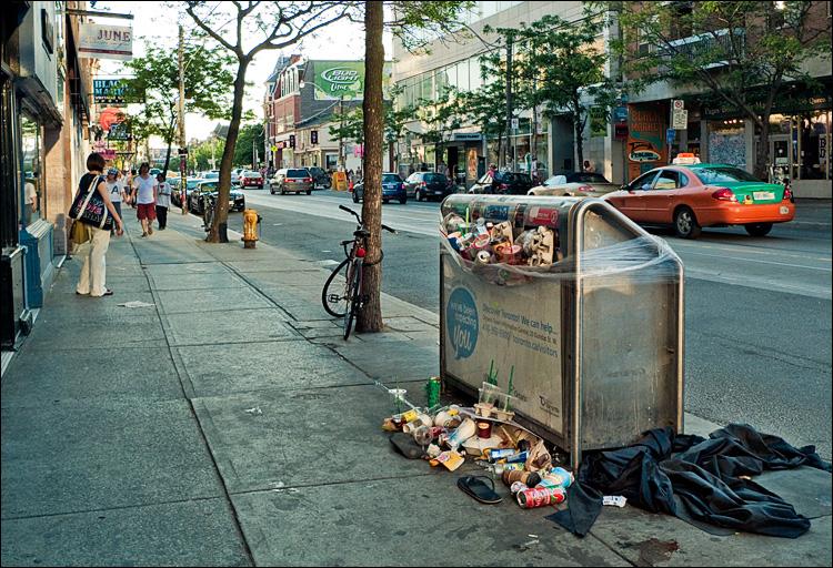 garbage strike || Panasonic LX3 | 1/160s | f2.8 | ISO80