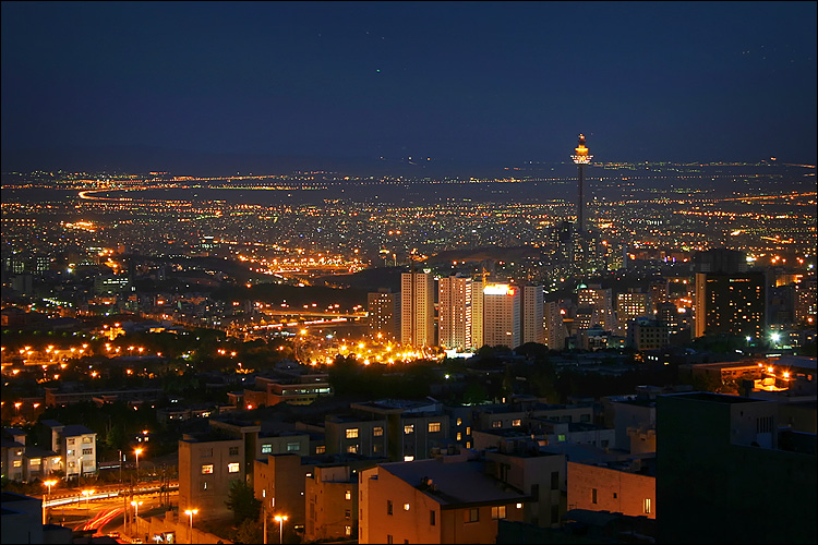 tehran at night || Canon300D/EFS18-55@55 | 10s | f9 | ISO100