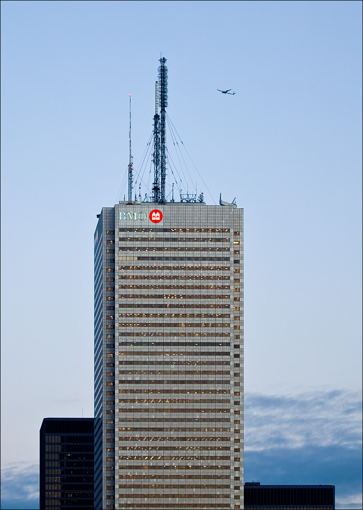 plane and bmo tower || Canon5D2/EF70-200f4L | 1/250s | f4 | ISO400