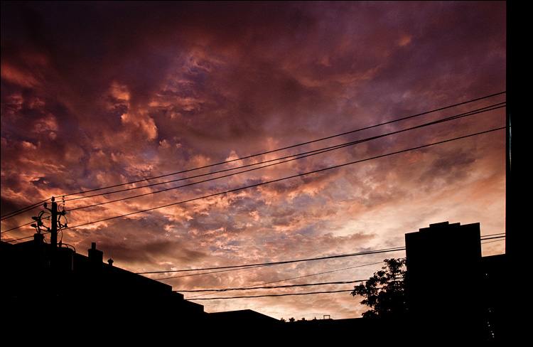 clouds and cables || Canon5D2/EF24-105f4L@28 | 1/80s | f5.6 | ISO400