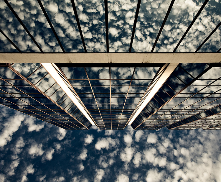 clouds and glass panels || Canon5D2/EF24-105f4L@24 | 1/160s | f9 ISO200