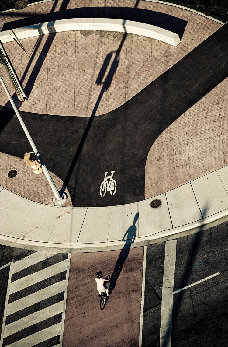 bike and shadows || Canon5D2/EF70-200f4L | 1/400s | f6.3 | ISO100