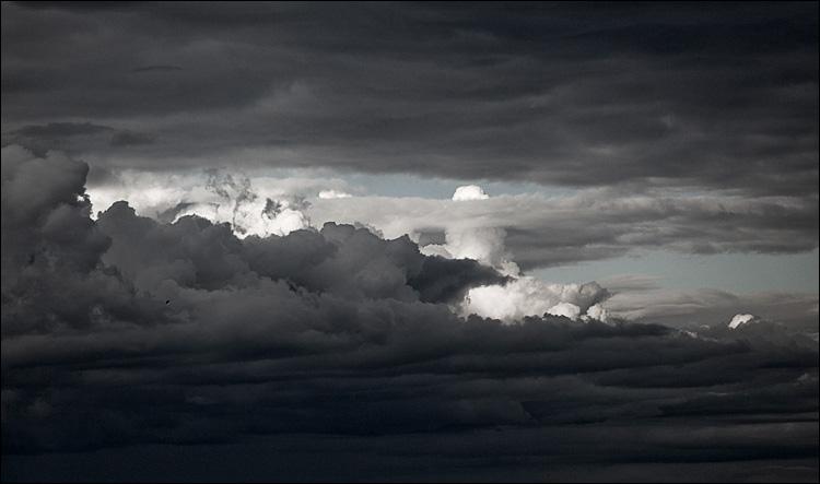 cloudscape || Canon5D2/EF200f2.8L | 1/2000s | f5.6 | ISO400