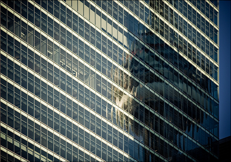 reflected tower || Canon5D2/EF200f2.8L | 1/5000s | f2.8 | ISO400