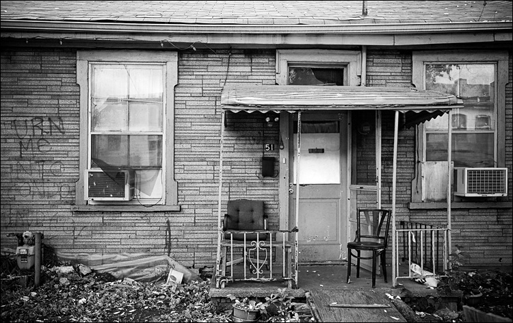 chairs of 51 || Canon5D2/EF24/105f4@35 | 1/200s | f4 | ISO800