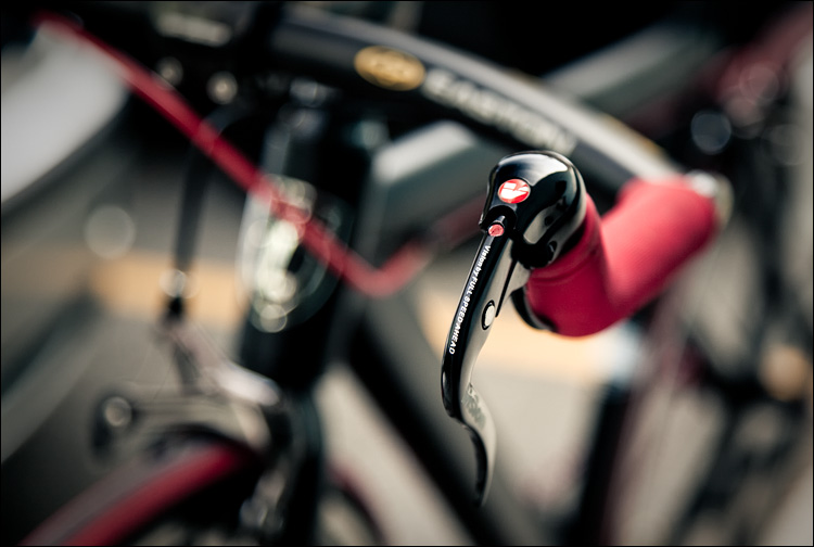 red and black bike || Canon 5D2/EF24-105f4L@84 | 1/100s | f4 | ISO400