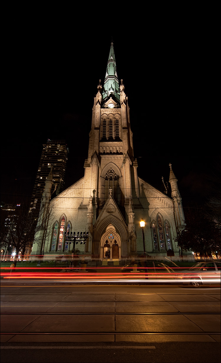 church at night || Canon5D2/Sigma12-24@1 | 6s | f11 | ISO100