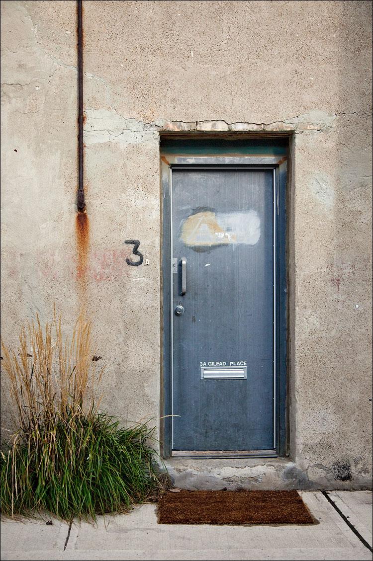 3A door || Canon5D2/EF24-105f4L@50 | 1/2000s | f4 | ISO400