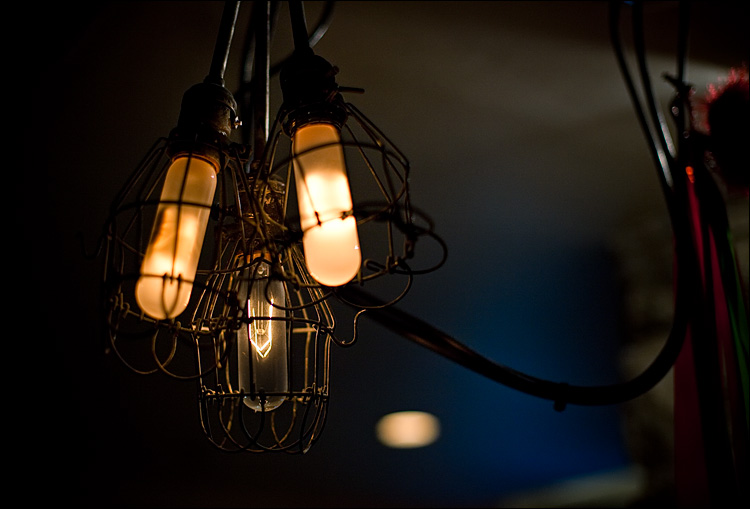 three lights || Canon5D2/EF50f1.4 | 1/125s | f1.8 | ISO800
