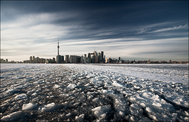 city on ice || Canon5D2/EF17-40L@17 | 1/200s | f8 | ISO400