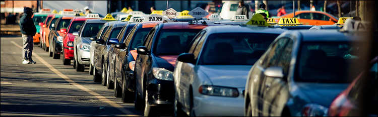 taxi land || Canon5D2/EF200f2.8L | 1/1000s | f2.8 | ISO100
