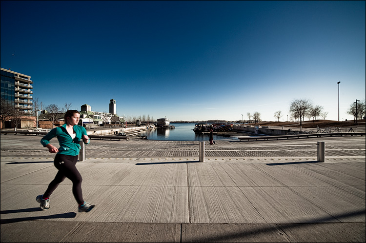 jogger by the water || Canon5D2/Sigma12-24@12 | 1/250s | f8 | ISO100