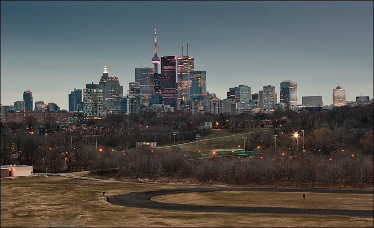 toronto at earth hour || Canon5D2/EF70-200f4L | 1/10s | f8 | ISO400