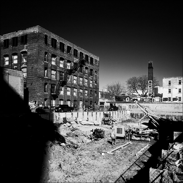 firescape and construction || Canon5D2/Sigma12-24@24 | 1/1250s | f6.3 | ISO100