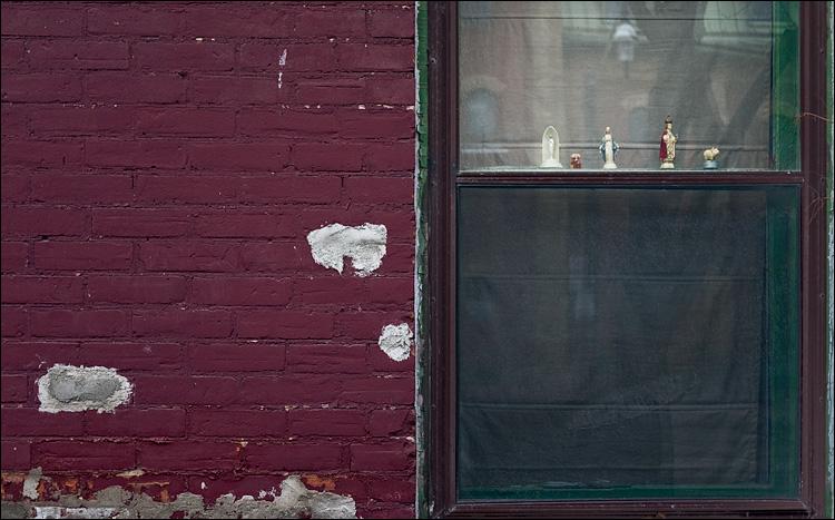 window friends || Panasonic GF1/Pana20f1.7 | 1/160s | f1.7 | ISO100