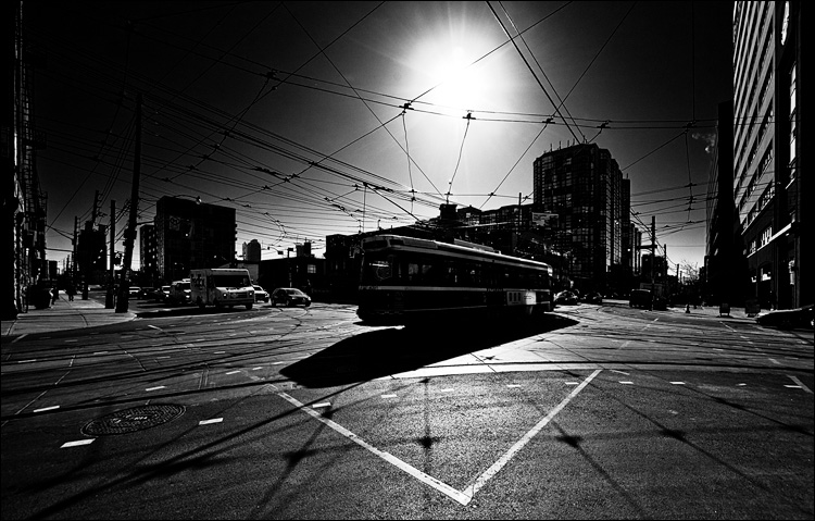streetcar and the sun || Canon5D2/Sigma12-24@12 | 1/1600s | f6.3 | ISO100