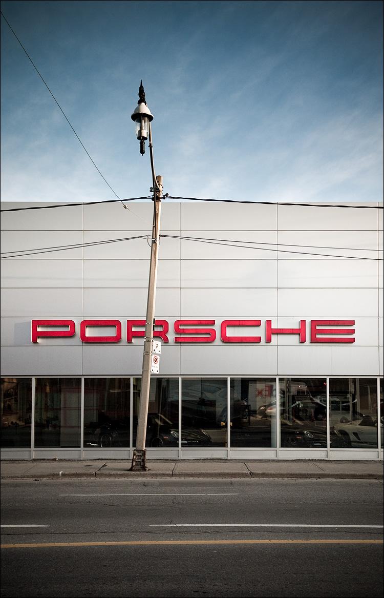 porsche and crooked lamp post || Panasonic GF1/Pana1.7 | 1/1250s | f2.2 | ISO100