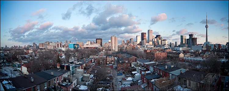 wide city || Canon5D2/Sigma12-24@12 | 1/8s | f8 | ISO100