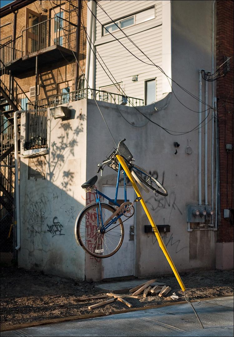 elliott's bike || Panasonic GF1/Pana20f1.7 | 1/1600s | f1.7 | ISO100