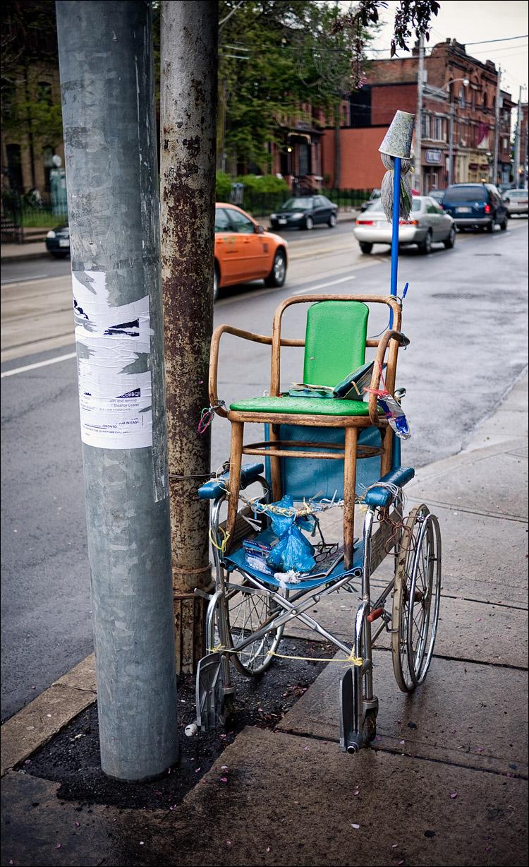 chair on wheels || Panasonic GF1/Pana 20f1.7 | 1/400s | f1.7 | ISO100